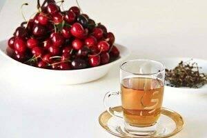 ceai-de-cozi-de-cirese-fructe